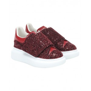 Red over-sized sneakers with glitter