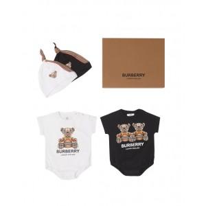 Thomas Bear motif baby gift set