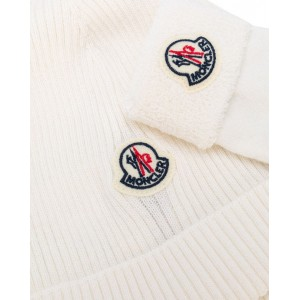 MONCLER Ivory hat and socks set
