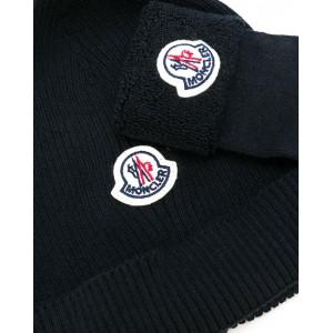 Hat and socks set in black