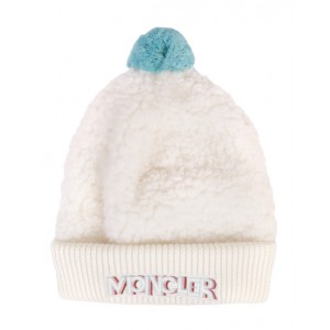 Faux-shearling hat in ivory and blue